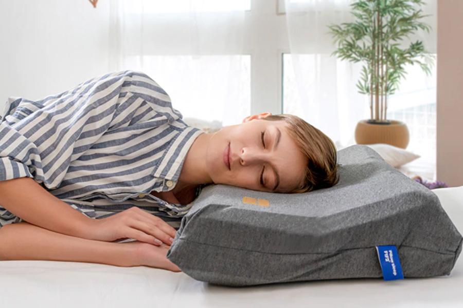Das selbsteinstellende Matrixkissen ist ein Schlafspielwechsler