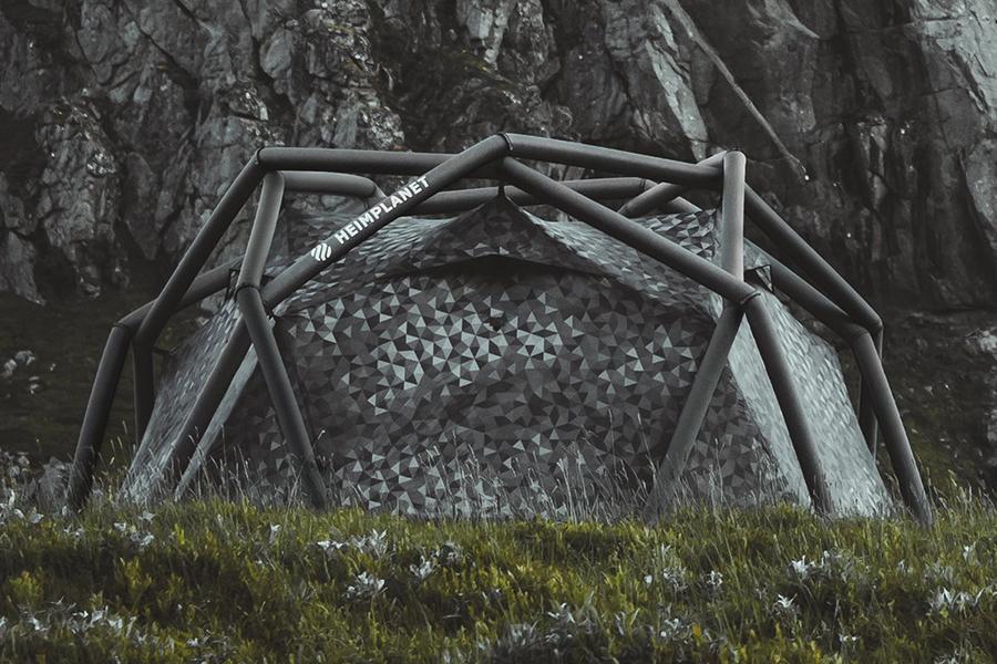 Bleib versteckt in Heimplanets Black Cairo Camo Cave Tent