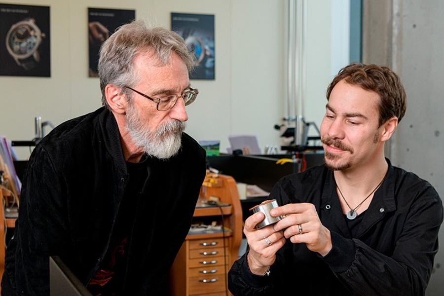 Jaquet Droz rekrutiert den Lord of the Rings-Künstler John Howe für eine neue Uhr