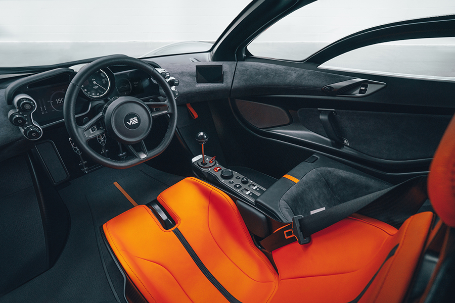 Der Designer des McLaren F1 stellt das T.50-Armaturenbrett und das Lenkrad vor