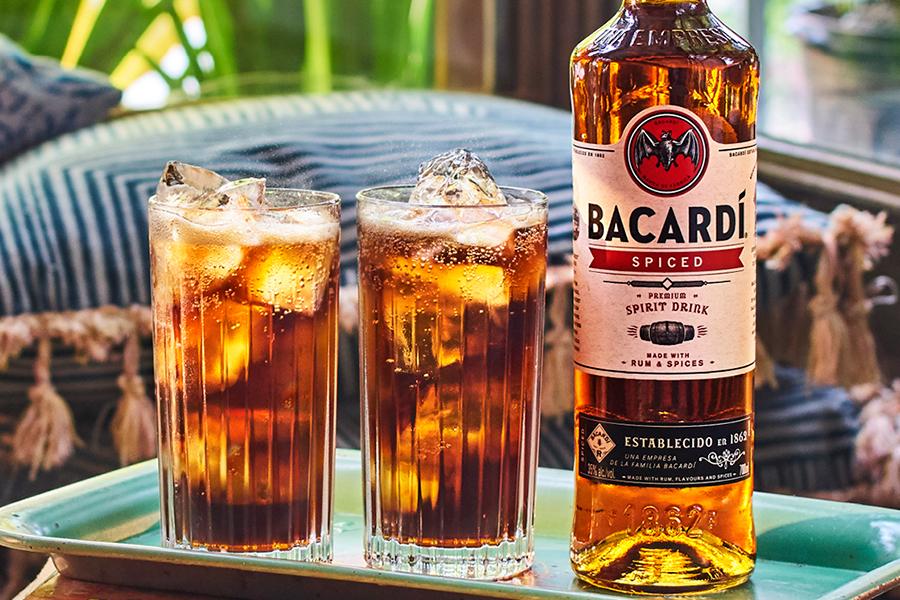 Bacardi Spiced startet in Australien mit Gläsern