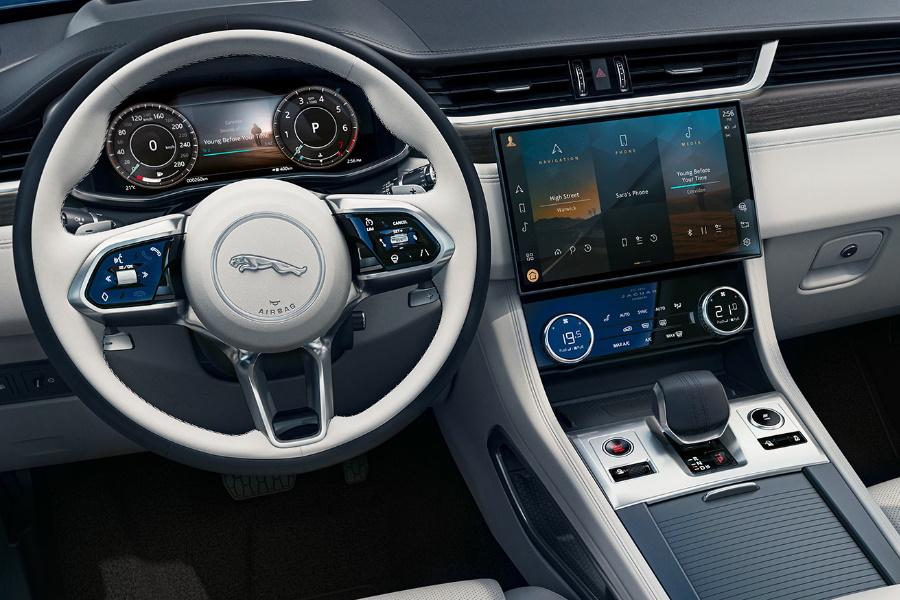 neues Jaguar F-Pace Interieur