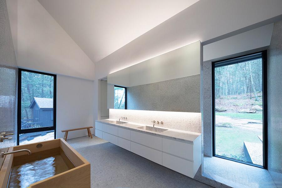 Desaichia Ledge House Badezimmer
