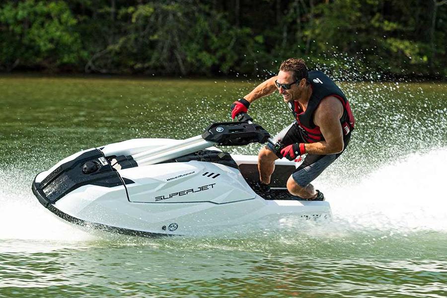 Yamaha SuperJet bringt das legendäre WaveRunner-Design zurück