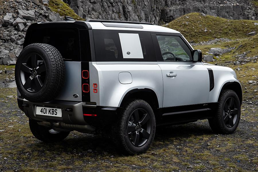 2021 Land Rover Defender P400e Hybrid zurück