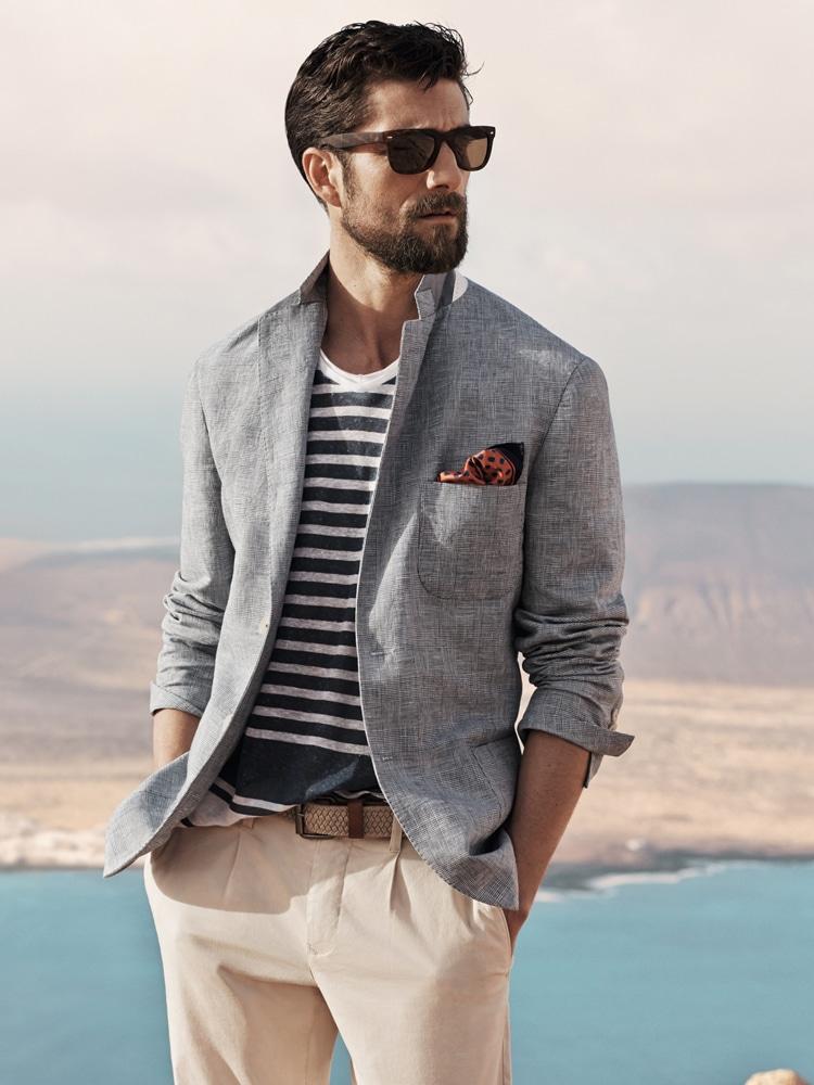 Männer tragen Anzug mit Sonnenglas