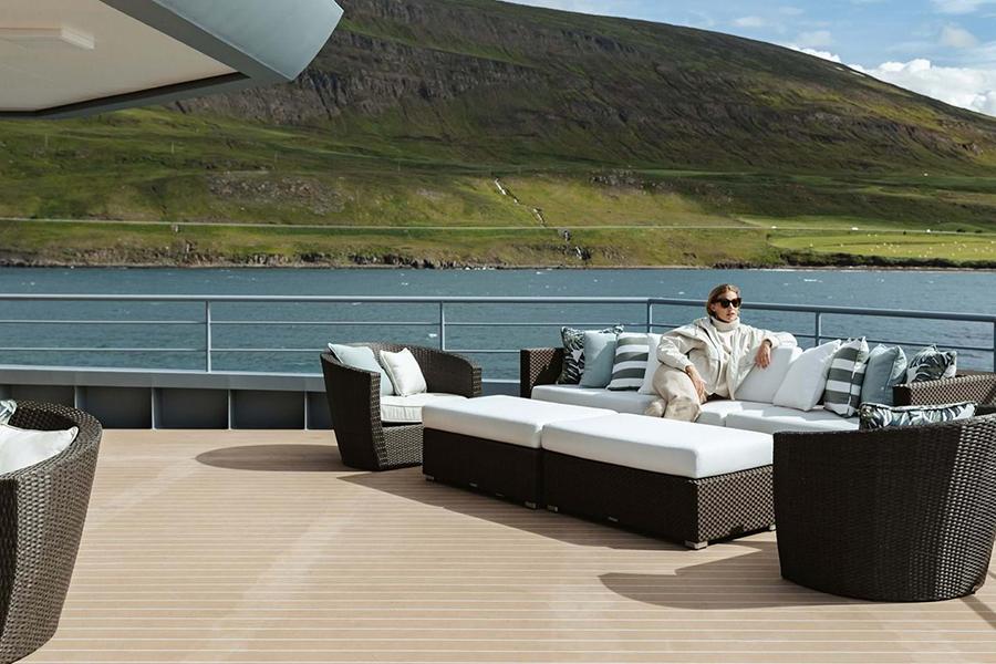 Burgess Yachts Ragner außerhalb der Lounge