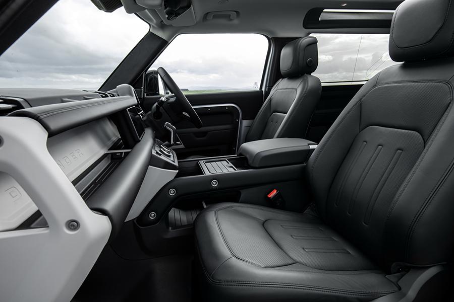 2021 Land Rover Defender Armaturenbrett P400e Hybrid