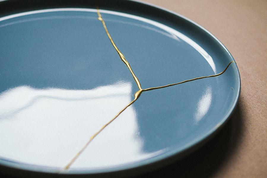 DIY Kintsugi Kit auf Teller