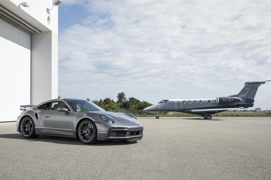 Sie können jetzt einen Porsche 911 Turbo S kaufen, der zu Ihrem Privatjet passt
