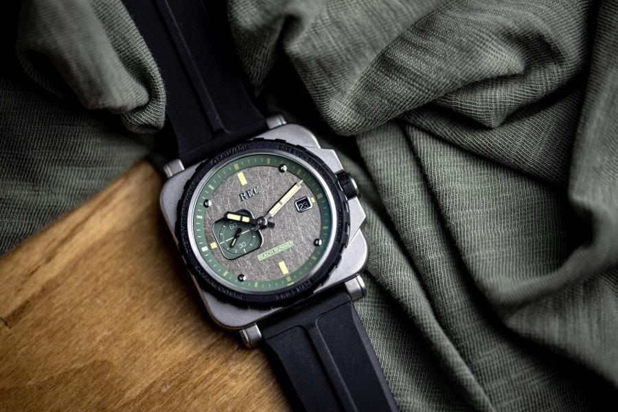 Diese in der Schweiz hergestellten Uhren enthalten recycelte Land Rover-Teile