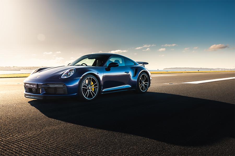 Porsche in der Sonne