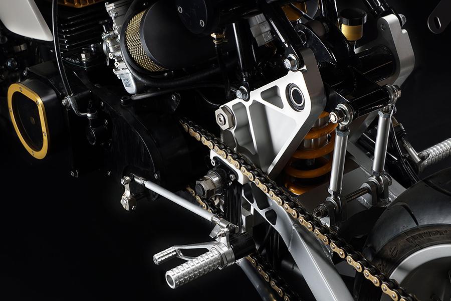 Motoworks Suzuki GT380 Custom Motor