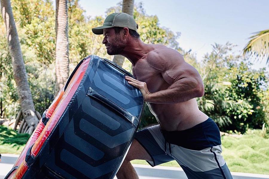 Chris Hemsworth zeigt seinen verrückten Körper in einem neuen Trainingsbild