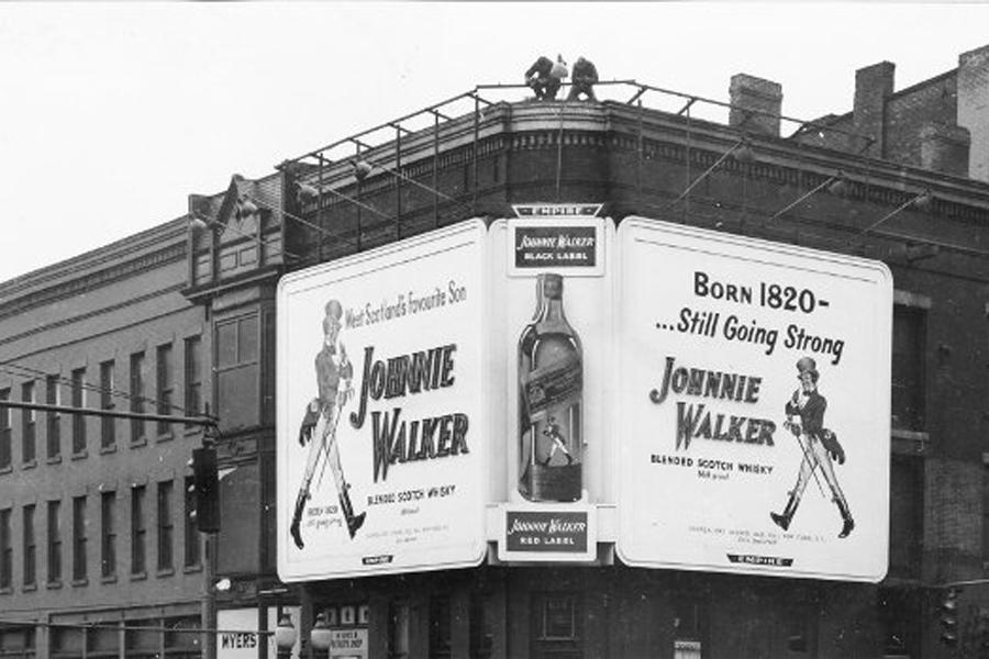 Johnnie Walker Mann, der um die Welt ging