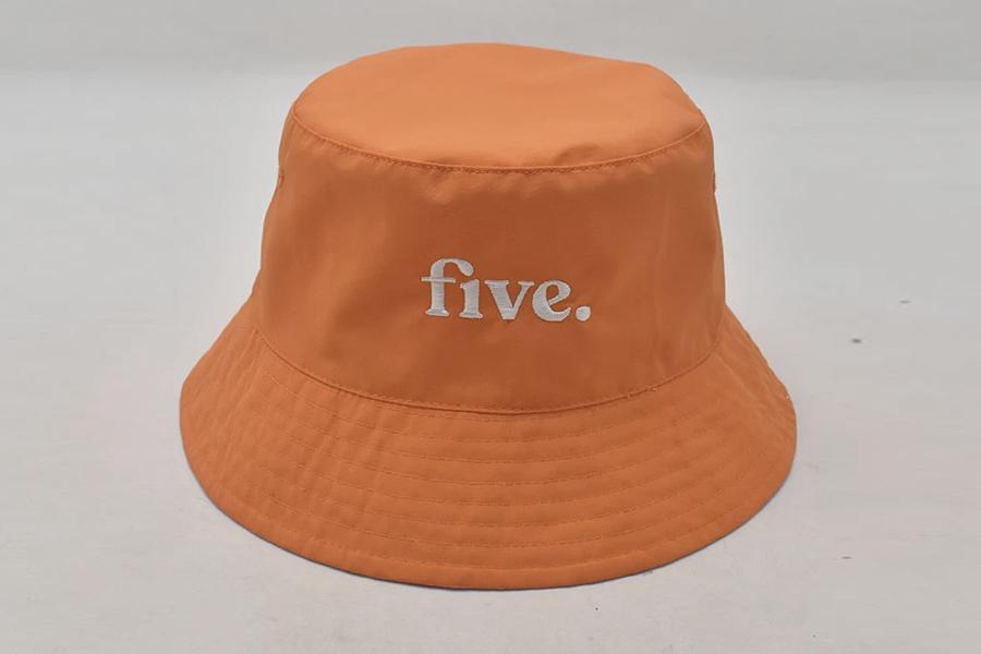 Fünf von Flynn Bucket Hat