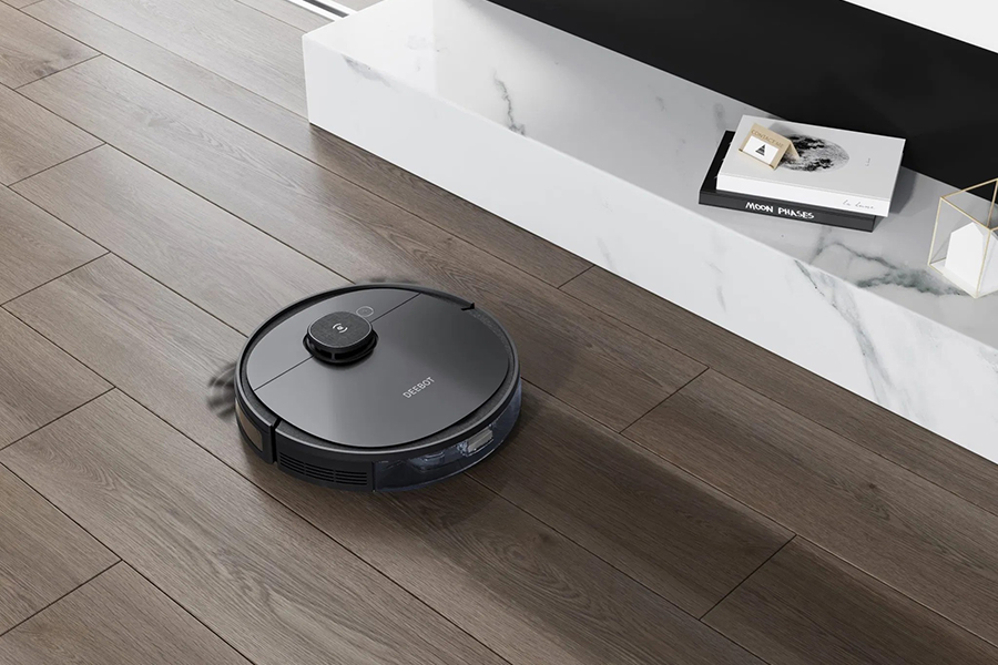 Ecovacs Deebot OZMO T8 Robot Vacuum Cleaner & Mop Advanced Christmas Gift Guide Tech Head