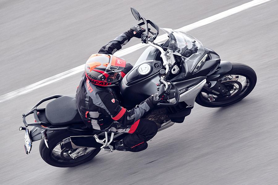 Ducati Multistrada V4 unterwegs