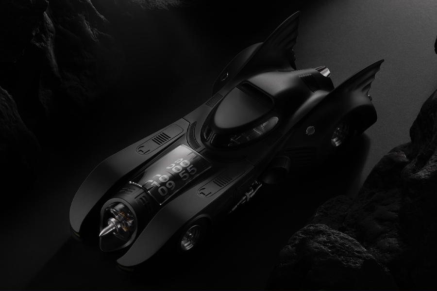 Kross Studio kreiert eine Uhr, die von 1989 Batmobile inspiriert wurde