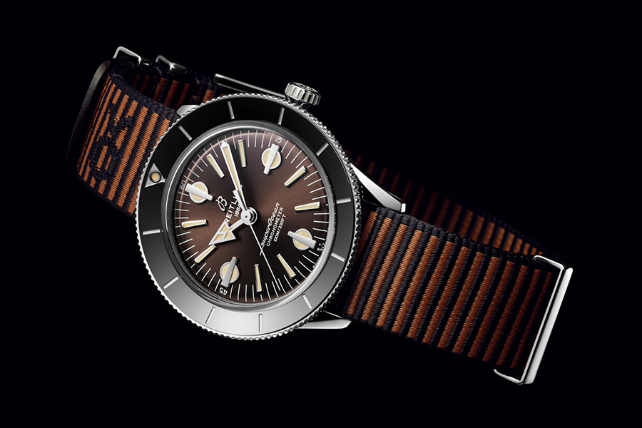 Outerknown x Breitling Seite
