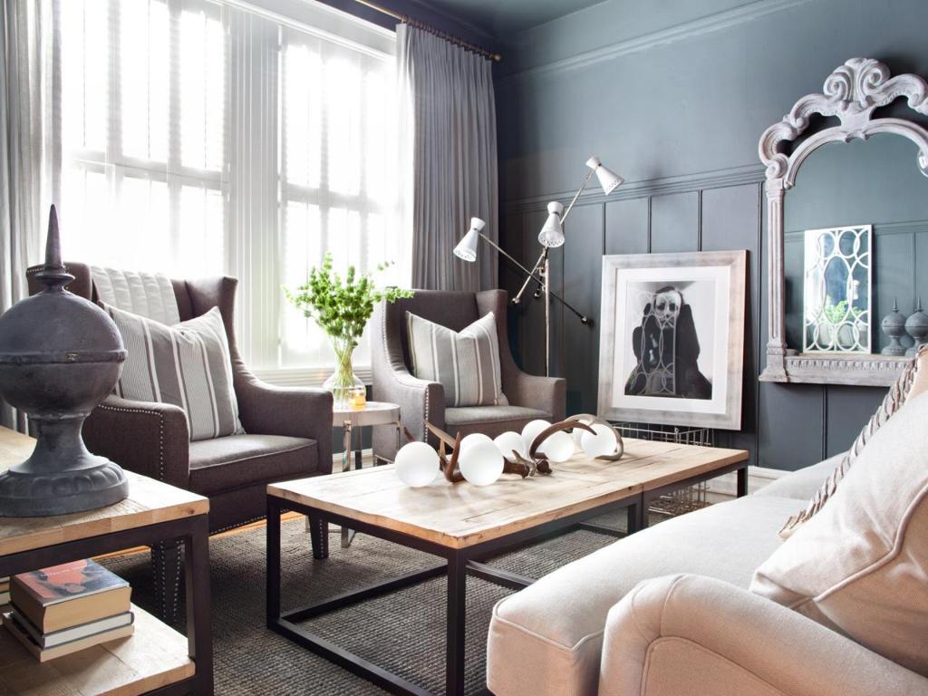 masculine hgtv apartment living room