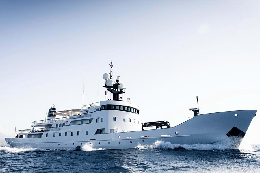 Dieses russische Marineschiff wurde in eine Superyacht verwandelt