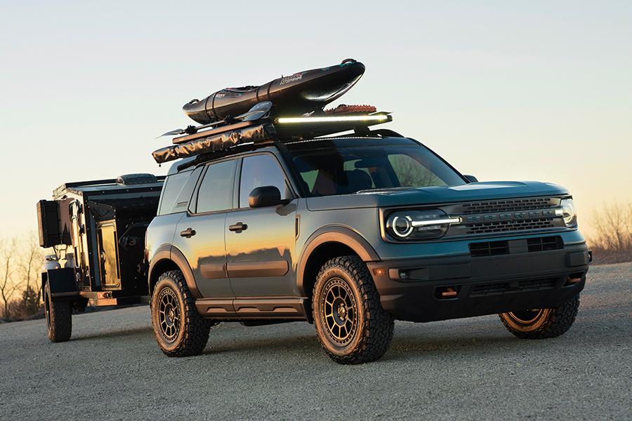 Ford enthüllt Custom F 150 Bronco und Bronco Sport vorne