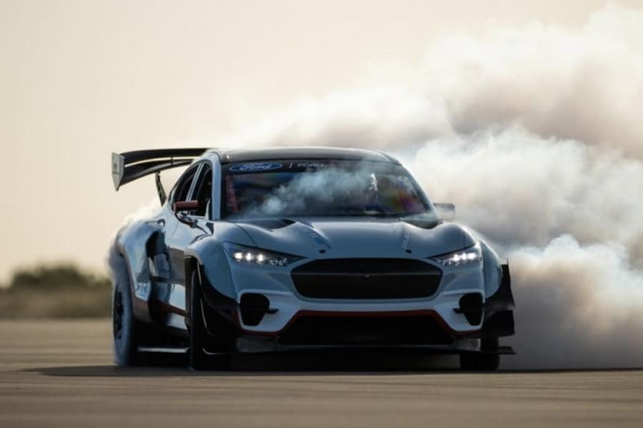 Ford enthüllt Custom F-150, Bronco und Mustang Mach-E GT