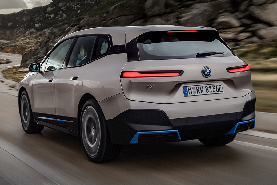 BMW 2022 ix unterwegs