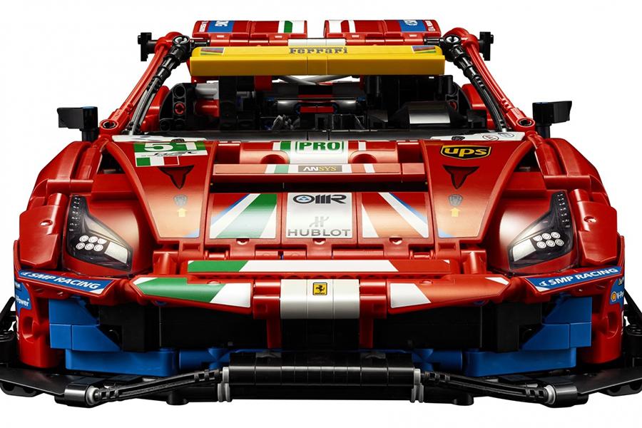 Lego Technic Ferrari 488 GTE Baukasten vorne