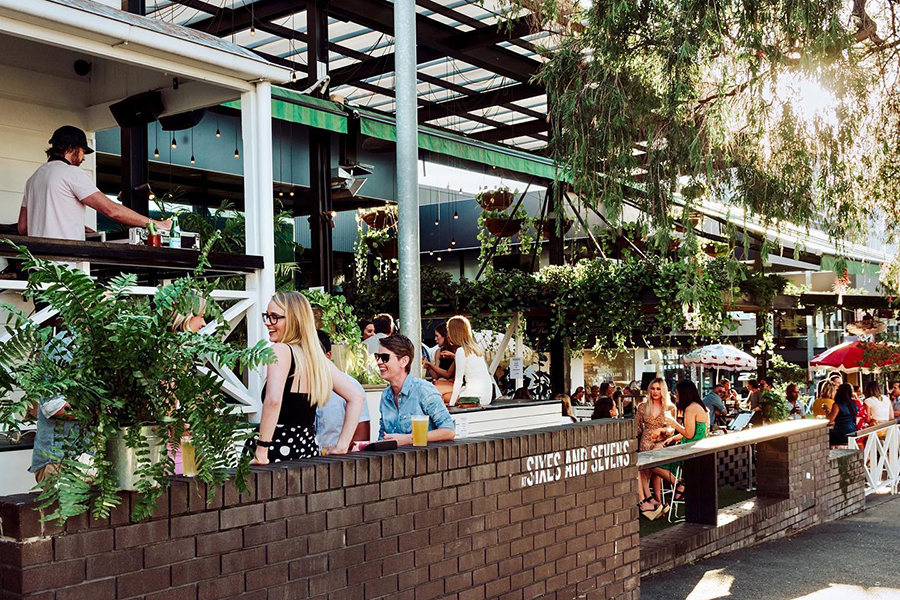 Best Bars in Brisbane Sixes and Sevens