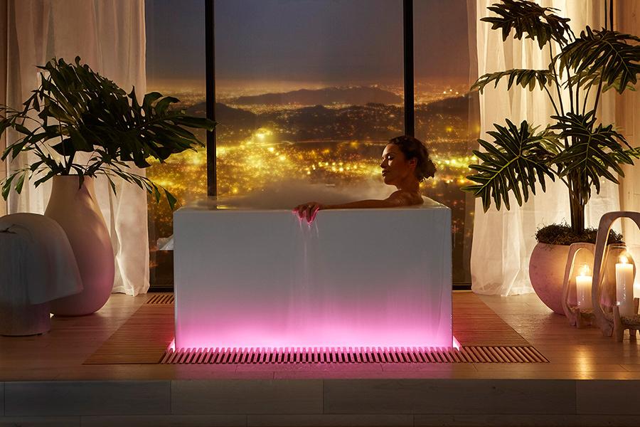 Kohlers $ 20.000 Smart Bathtub kann seinen eigenen Nebel erzeugen