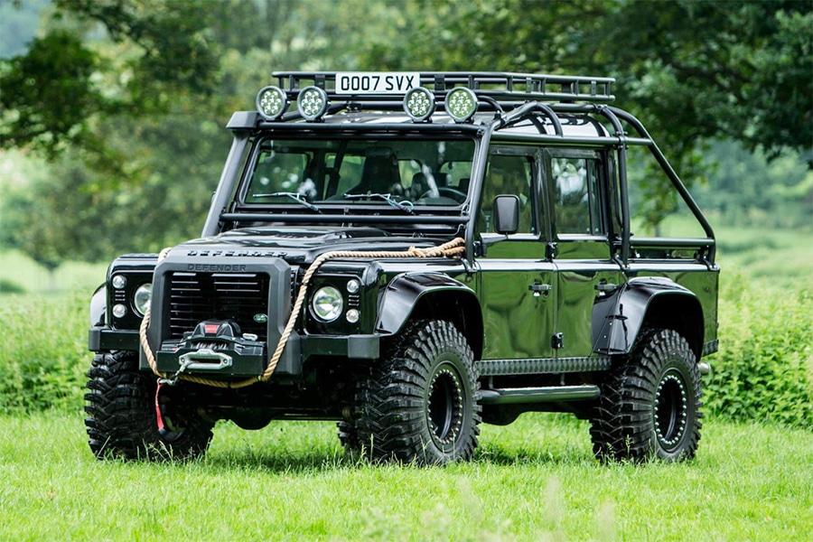 """Umfassen Sie Ihren inneren Bond-Bösewicht mit diesem """"Spectre"""" Land Rover Defender Tribute"""