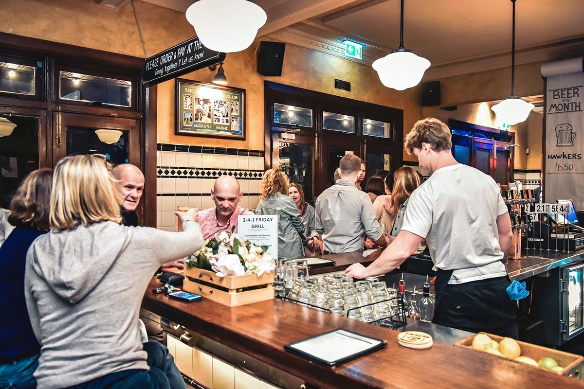 Beste Paddington Bars, um das Nightlife Four in Hand Pub zu erkunden