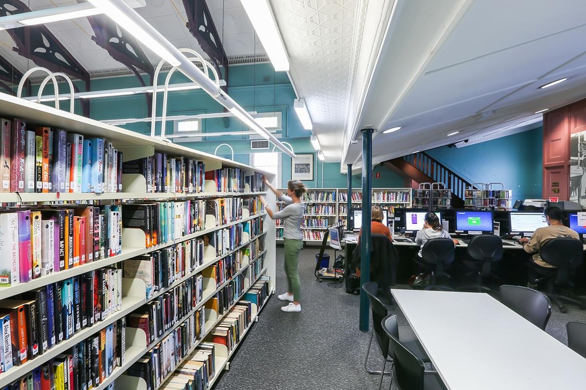 Beste Bibliotheken in der Sydney Newtown Library