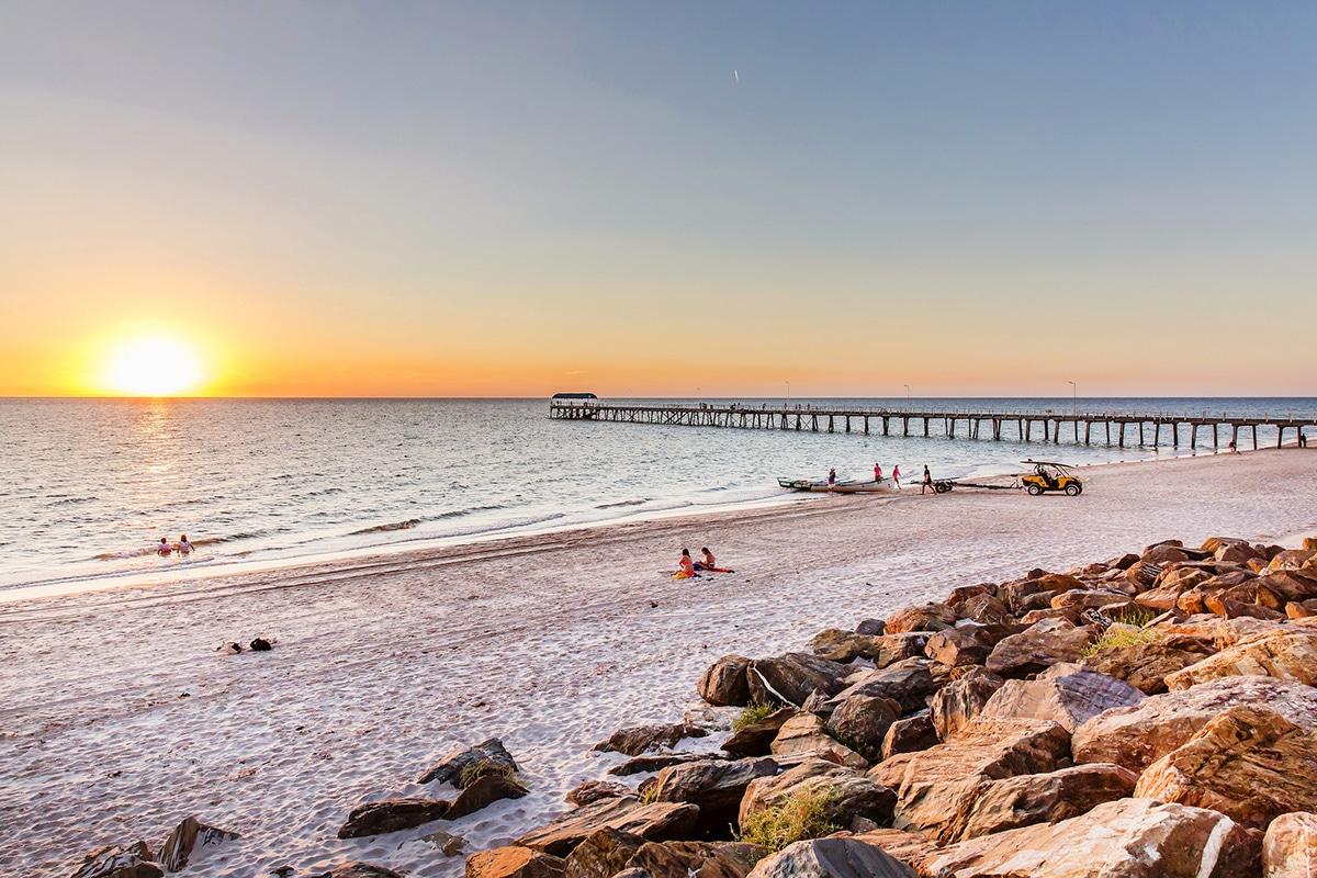 Beste Adelaide Strände zum Schwimmen, Surfen und Schnorcheln Henley