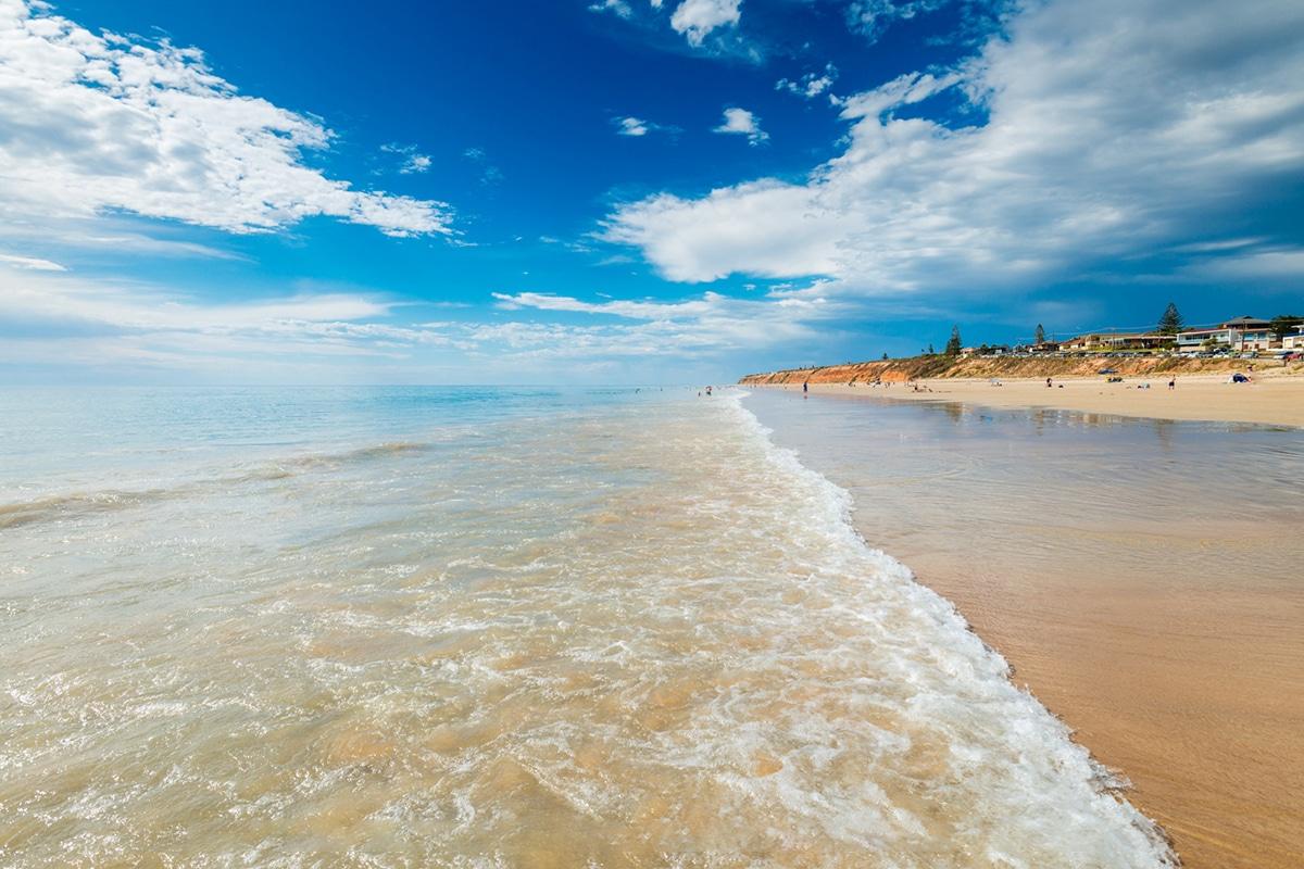 Beste Adelaide Strände zum Schwimmen, Surfen und Schnorcheln Moana Beach
