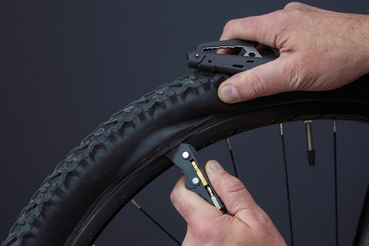 Huckberry Bike Multi-Tool zum Reparieren von Ausrüstung
