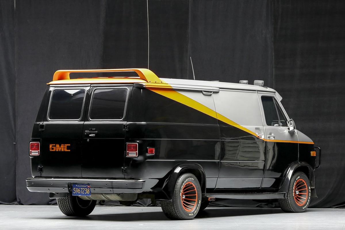 Ein Team-Van zur Auktion