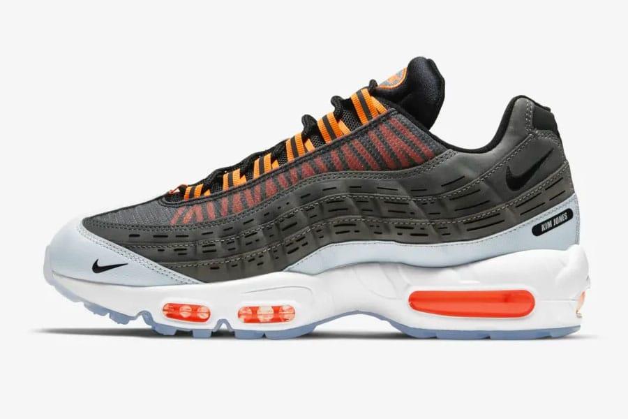 Nike Nadel