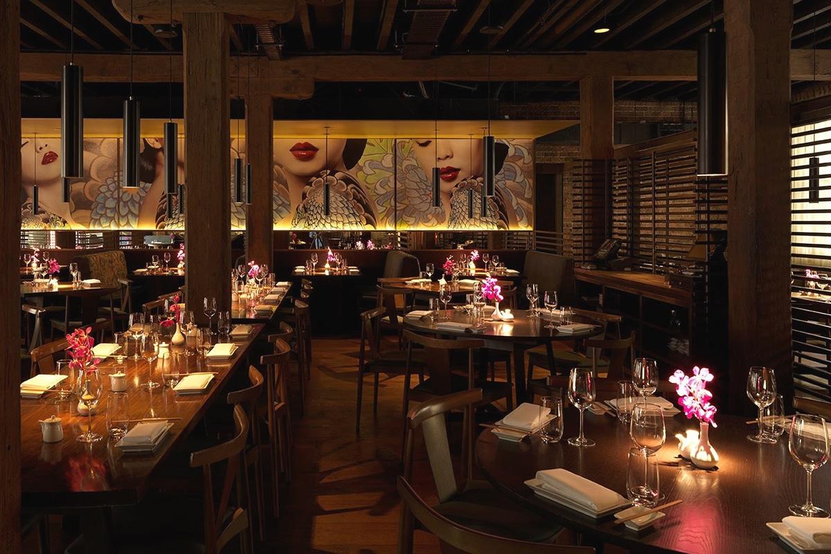sake restaurant interior