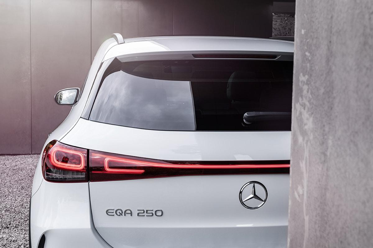 Mercedes-Benz EQA SUV zurück